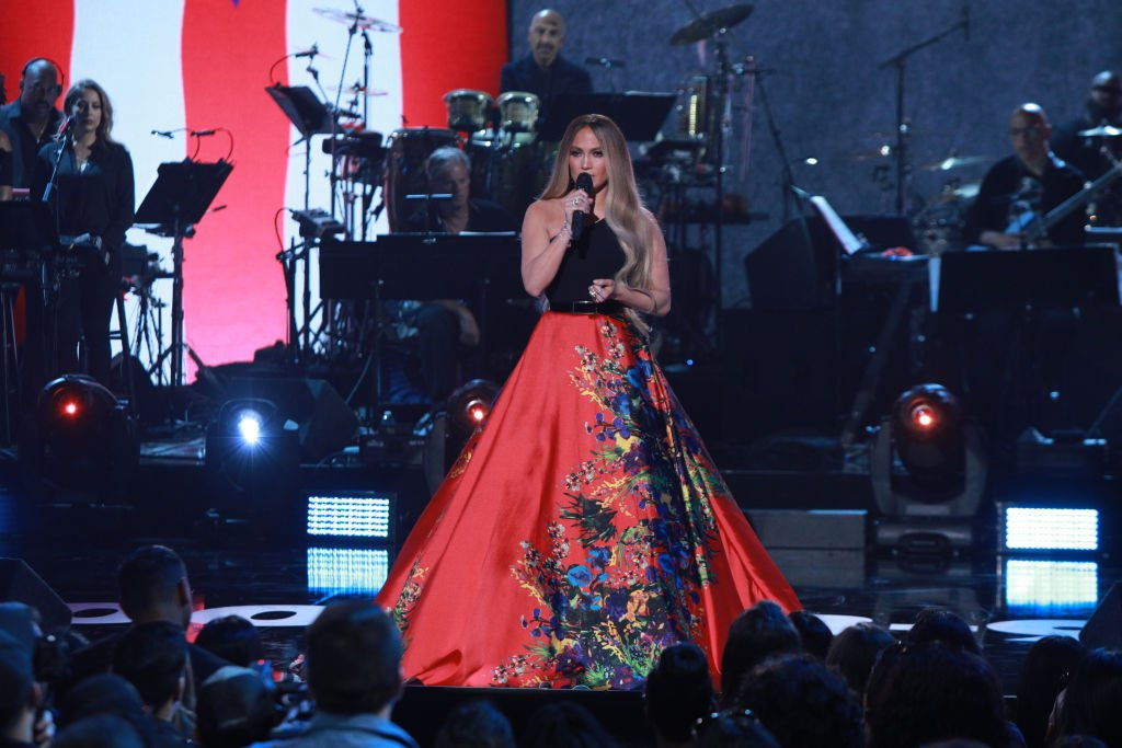 Image Source: Getty Images | Jennifer performing