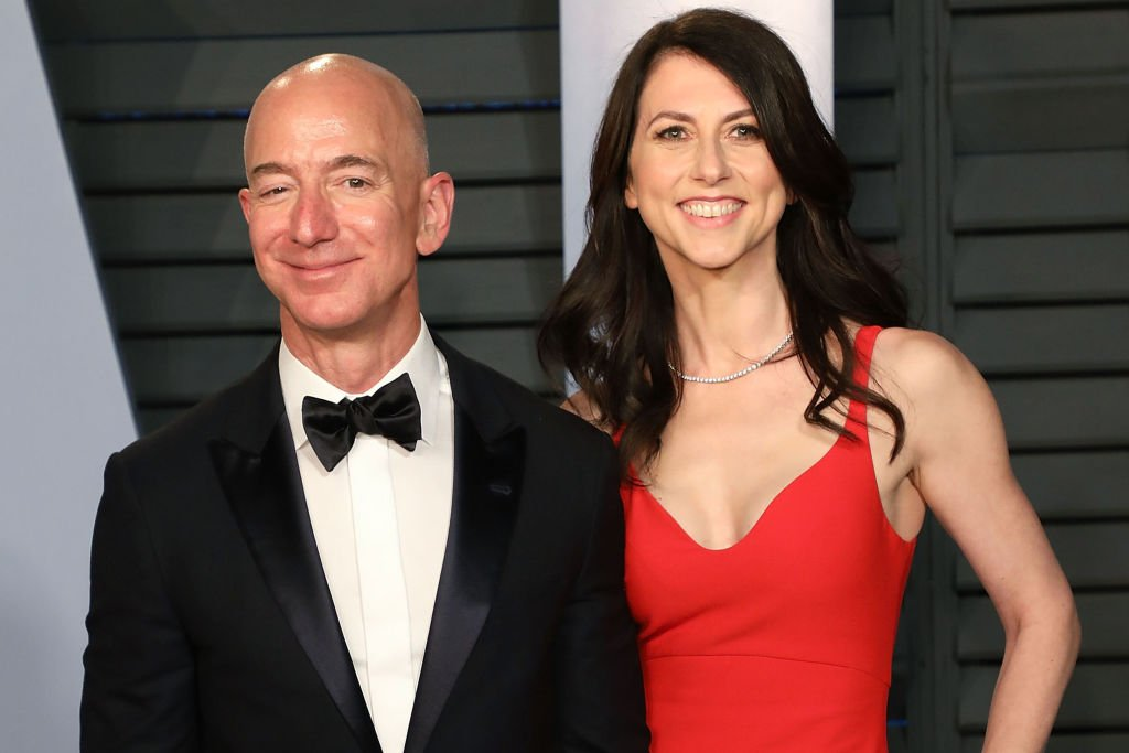 Image Credit: Getty Images / Amazon CEO Jeff Bezos (L) and MacKenzie Bezos attend the 2018 Vanity Fair Oscar Party on March 4, 2018 in Beverly Hills, California.