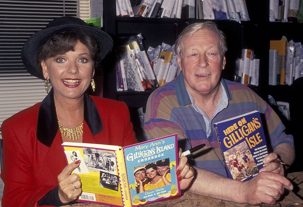 "Image Credit: Getty Images / Actress Dawn Wells and Russell Johnson attend the book party for Dawn Wells ""Mary Ann's Gilligan's Island Cookbook"" on December 4, 1993 at the Book Soup Book Store in Los Angeles, California."