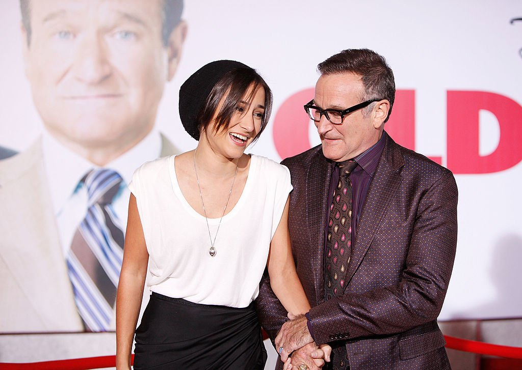 "Image Credits: Getty Images / Michael Tran / FilmMagic | Zelda Williams (L) and Robin Williams arrive to the Los Angeles premiere of ""Old Dogs"" held at the El Capitan Theatre on November 9, 2009 in Hollywood, California."