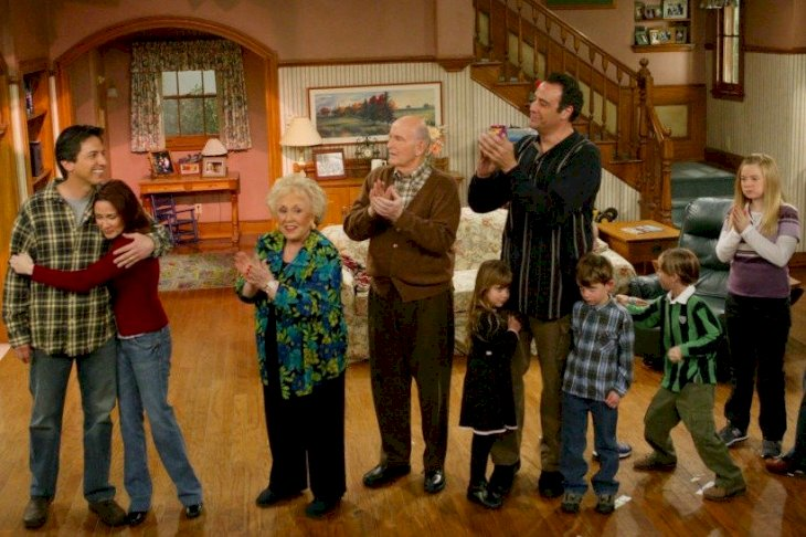 Image Credits: Getty Images / Everybody Loves Raymond cast - Pictured from left to right are Ray Romano, Patricia Heaton, Doris Roberts, Peter Boyle, Brad Garrett (with his two children) Sawyer and Sullivan Sweeten (partially behind Garrett) Madylin Sweeten and Monica Horan.