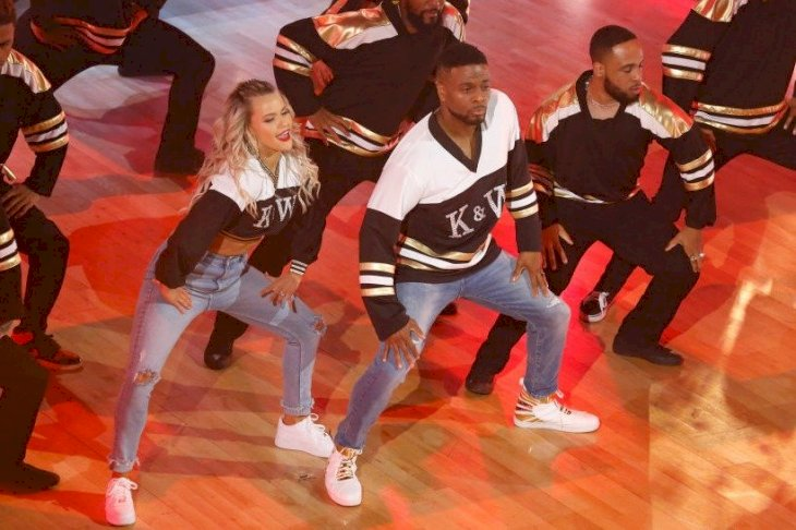 Image Credit: Getty Images/Kelsey McNeal via Getty Images | Kel Mitchel and Witney Carson in the season 28 finale