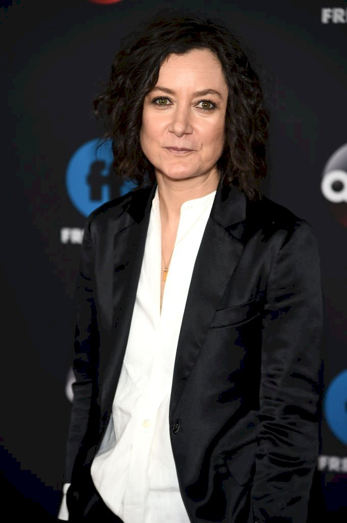 Image Credit: Getty Images/Dimitrios Kambouris | Sara Gilbert of Roseanne attends during 2018 Disney, ABC, Freeform Upfront at Tavern On The Green
