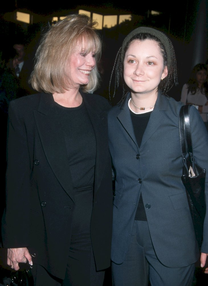 Image Credit: Getty Images./Ron Galella Collection /Ron Galella, Ltd | Barbara Crane Cowan and Sara Gilbert circa 1999