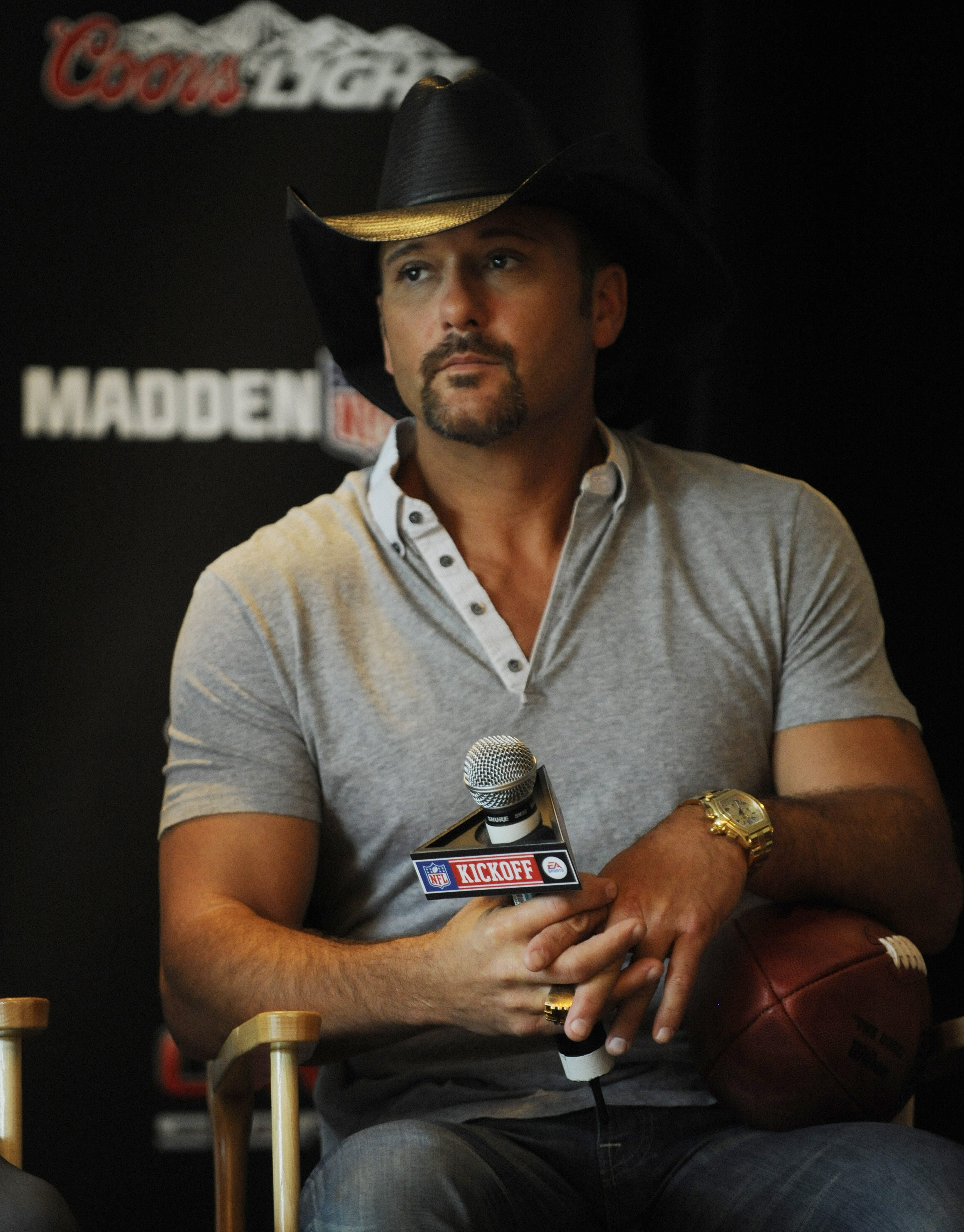 Image Credits: Getty Images / Jeff Swensen | Tim McGraw for the 2009 NFL Opening Kickoff event on September 9, 2009 in Pittsburgh, Pennsylvania.