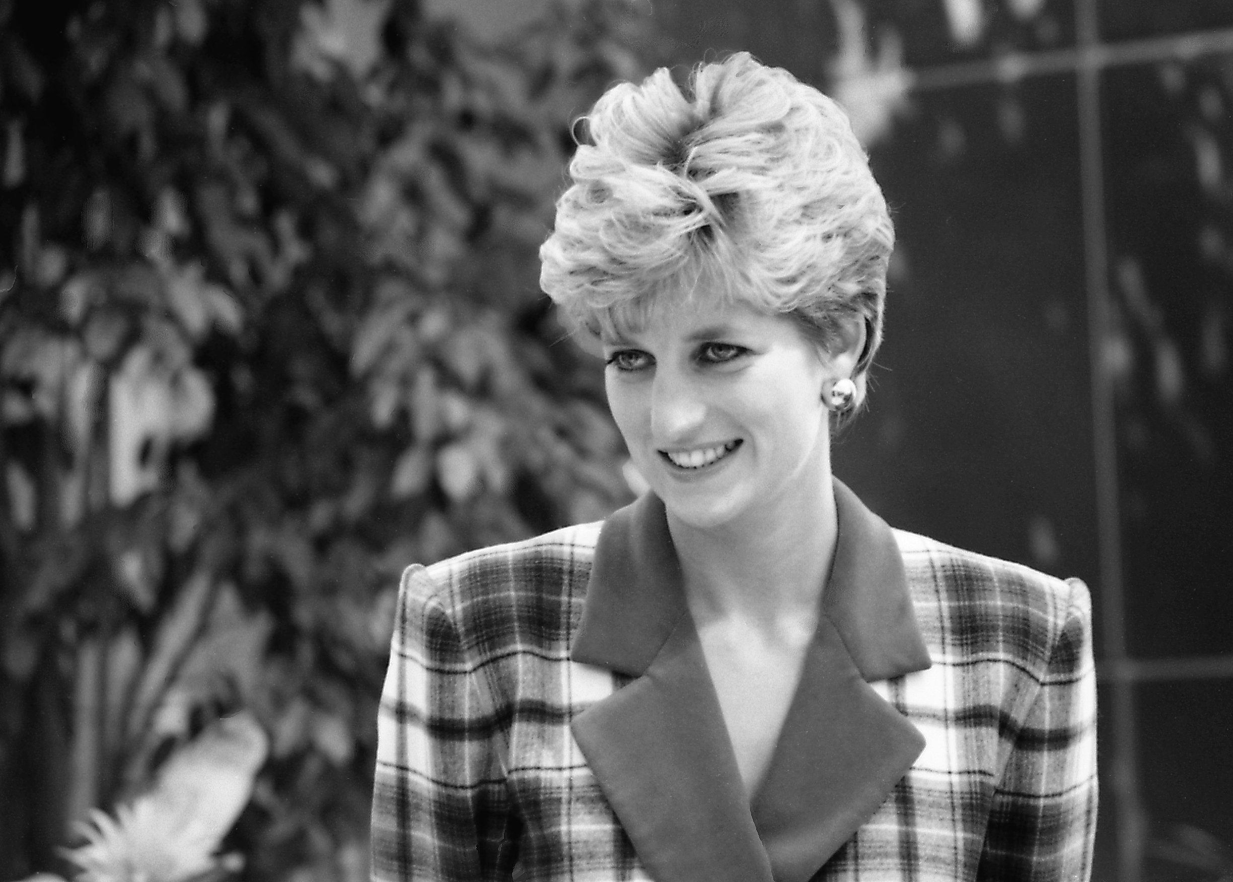 Image Credits: Wikimedia Commons/John MacIntyre | Princess Diana in the late 80s