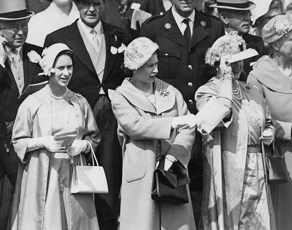 Princess Margaret, Queen Elizabeth II and the Queen Mother at the Derby, Epsom Downs Racecourse. | Source: Getty Images