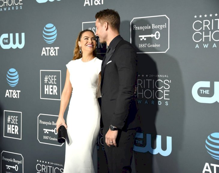 Image Credit: Getty Images / Actors, Chrishell Stause and Justin Hartley on the red carpet.