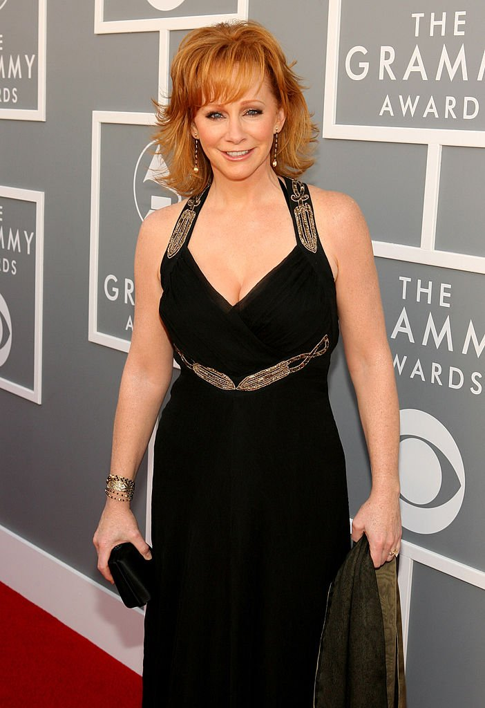 Image Credits: Getty Images / Jesse Grant/WireImage | Reba at the Grammys in 2007