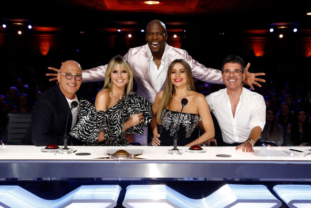Image Credit: Getty Images / America's Got Talent. Pictured: (l-r) Howie Mandel, Heidi Klum, Terry Crews, Sofia Vergara, Simon Cowell.