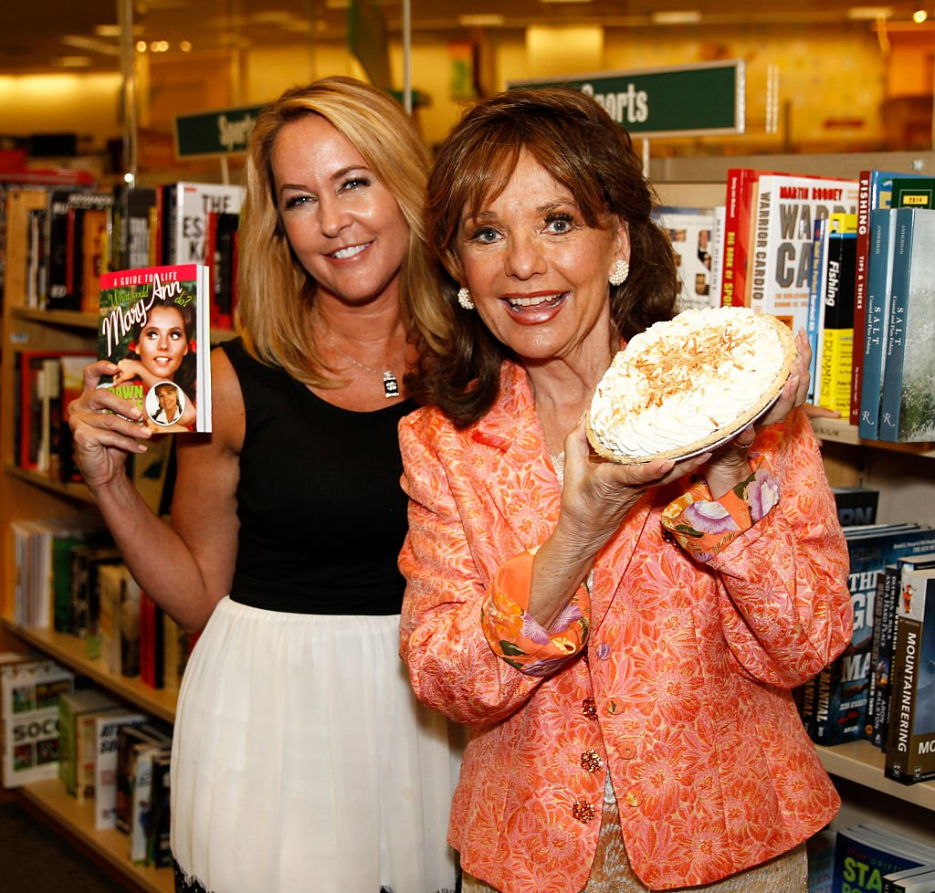 Image Source: Getty Images/Brian Gove/Dawn Wells and Erin Murphy at Barnes & Noble bookstore at The Grove on September 29, 2014 in Los Angeles, California