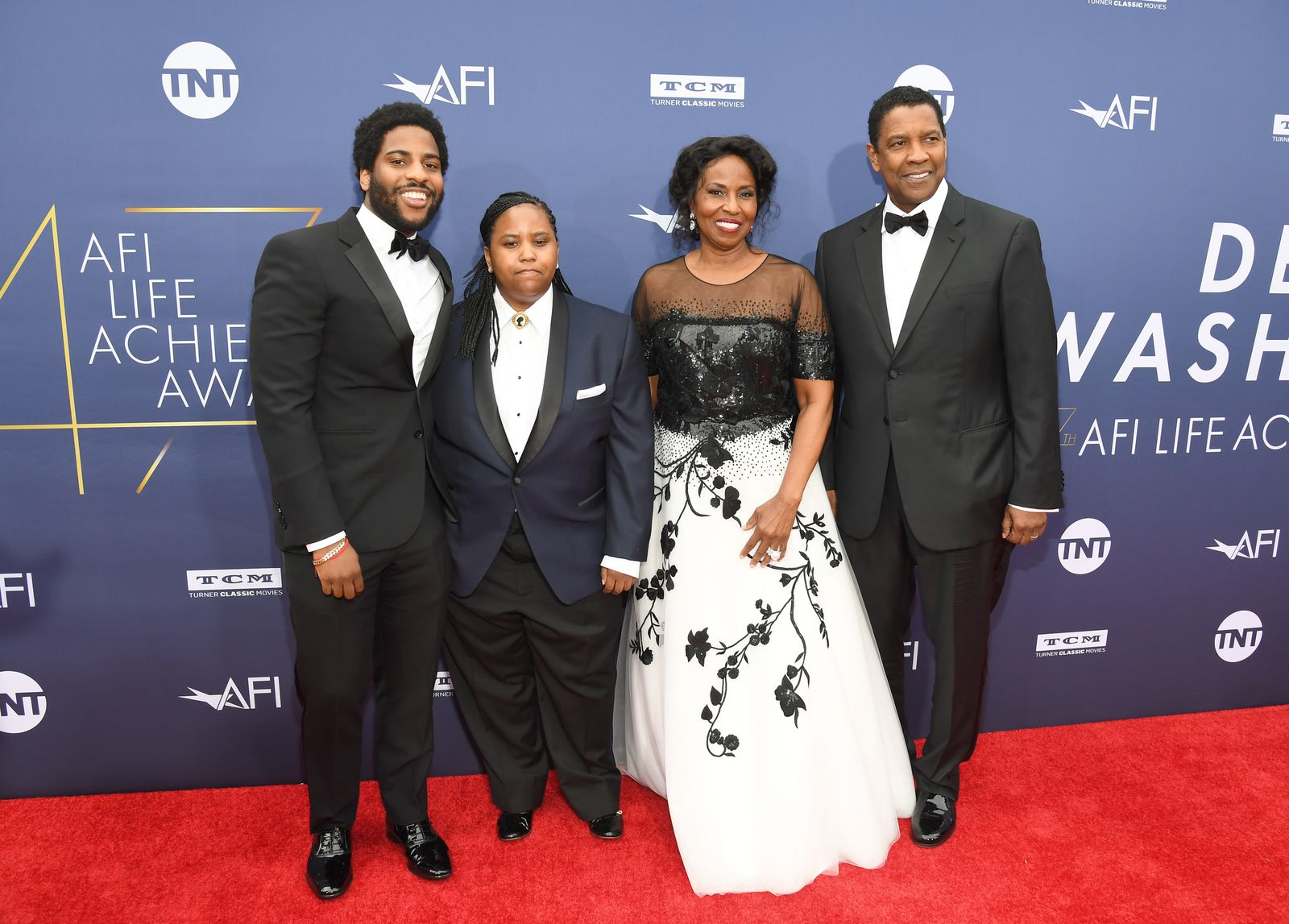 (L-R) Malcolm Washington, Katia Washington, Pauletta Washington, and honoree Denzel Washington attend the 47th AFI Life Achievement Award Honoring Denzel Washington at Dolby Theatre,2019 in Hollywood/Photo:Getty Images