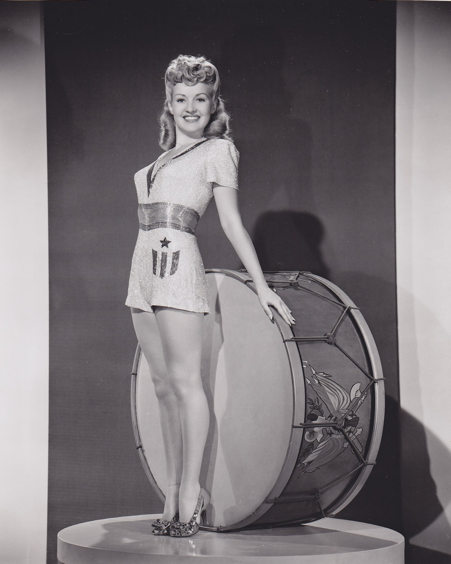 Image Source: Wikimedia Commons|Pin-up photo of Betty Grable for the Jun. 25, 1943 issue of Yank, the Army Weekly, a weekly U.S. Army magazine fully staffed by enlisted men.