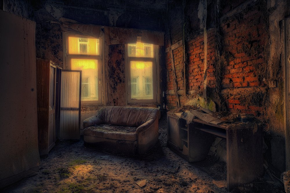 An abandoned hotel room | Shutterstock