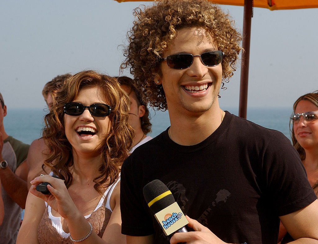 Image Credit: Getty Images / Kelly Clarkson and Justin Guarini at MTV Summer Beach House in East Quogue, New York, United States.