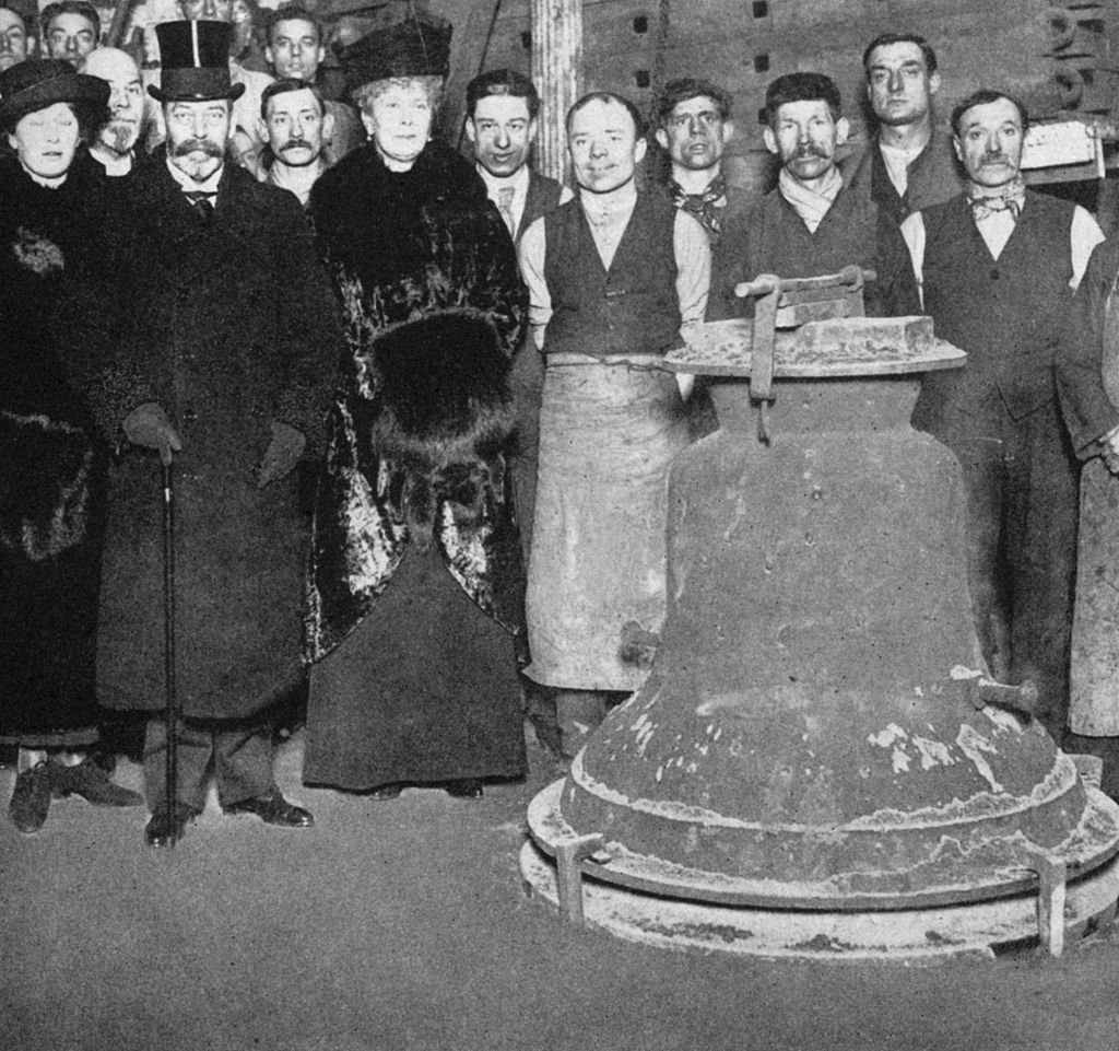 Image Credit: Getty Images / King George V (1865-1936) and Queen Mary (1867-1953) with the 'Victory' bell for Westminster Abbey, c1910s-c1920s.