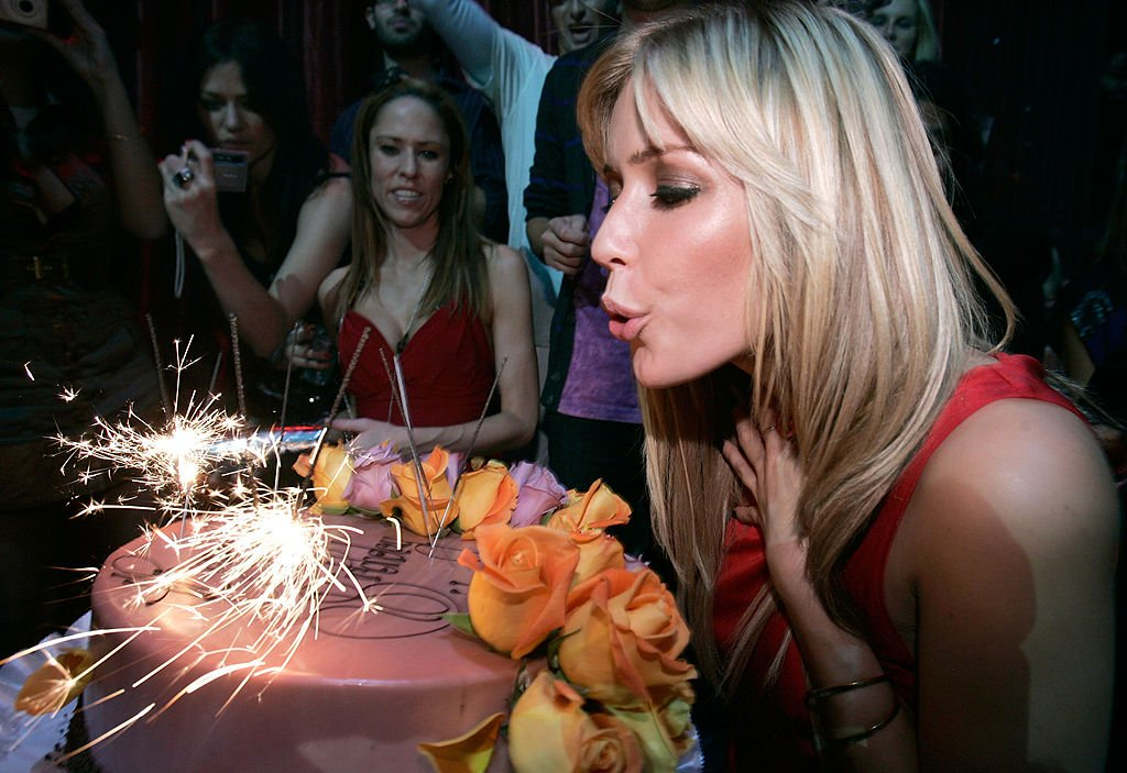 Image Credits: Getty Images / Chris Weeks / WireImage | Kristin Cavallari, right, attends her birthday at LAX Nightclub on January 5, 2008 in Las Vegas, Nevada.