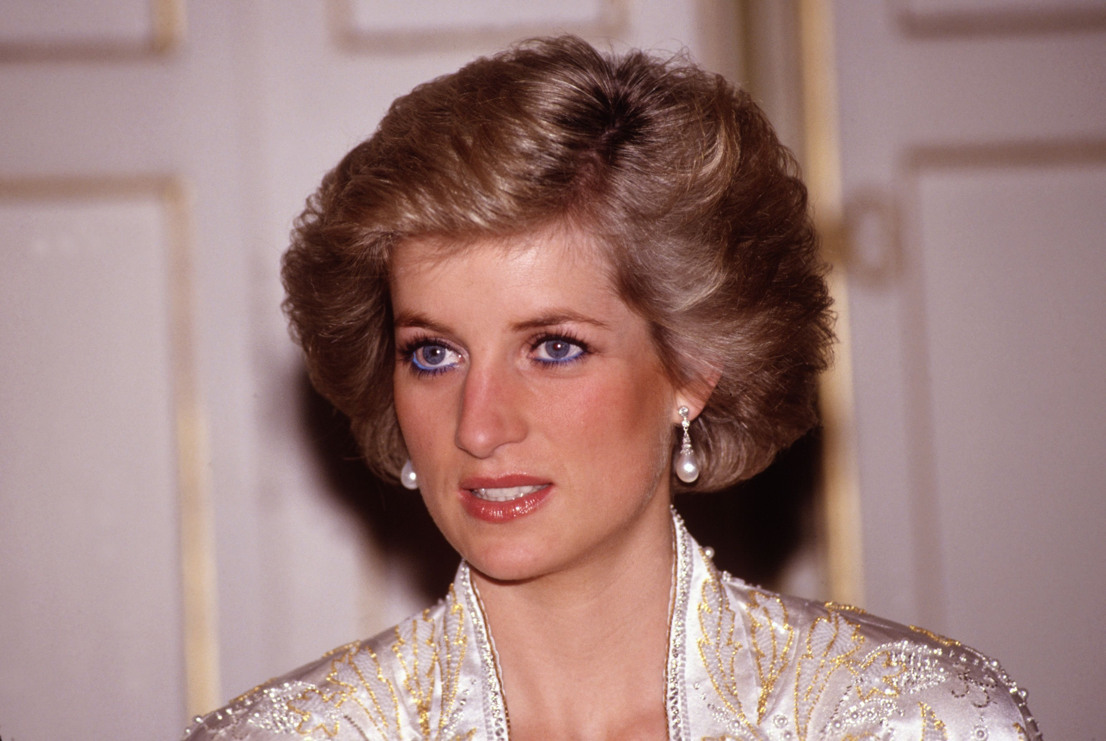 Princess Diana at a dinner given by President Mitterand on November 1, 1988, at the Elysee Palace / Getty Images