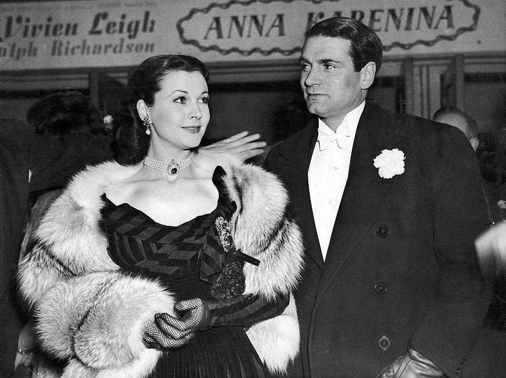 Image Credits: Getty Images / Keystone-France/Gamma-Rapho | Vivien Leigh and Laurence Olivier at a public event