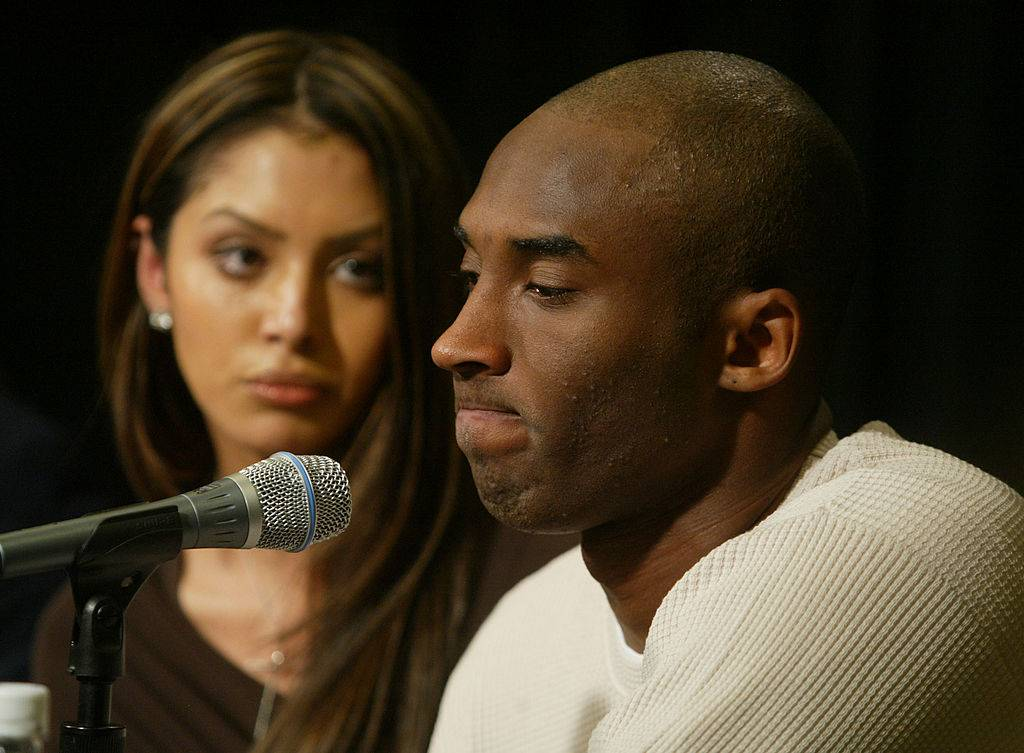 Kobe Bryant and his wife Vanessa attend a news conference at Staples Center, the home of the Lakers, July 18, 2003 in Los Angeles following Bryant being charged with sexual assault.  (Photo by J. Emilio Flores/Getty Images)
