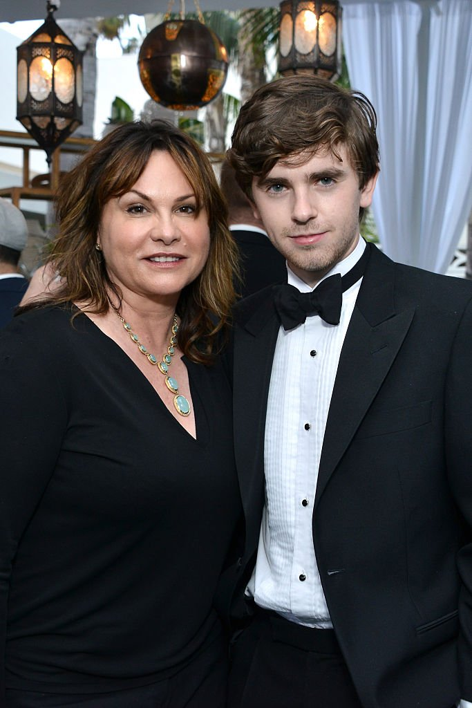 Freddie and his mother attend the 5th Annual Critics' Choice Television Awards After Party / Photo:Getty Images
