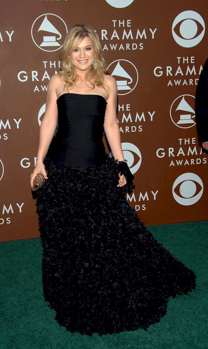 Image Credit: Getty Images / Kelly Clarkson on the red carpet.