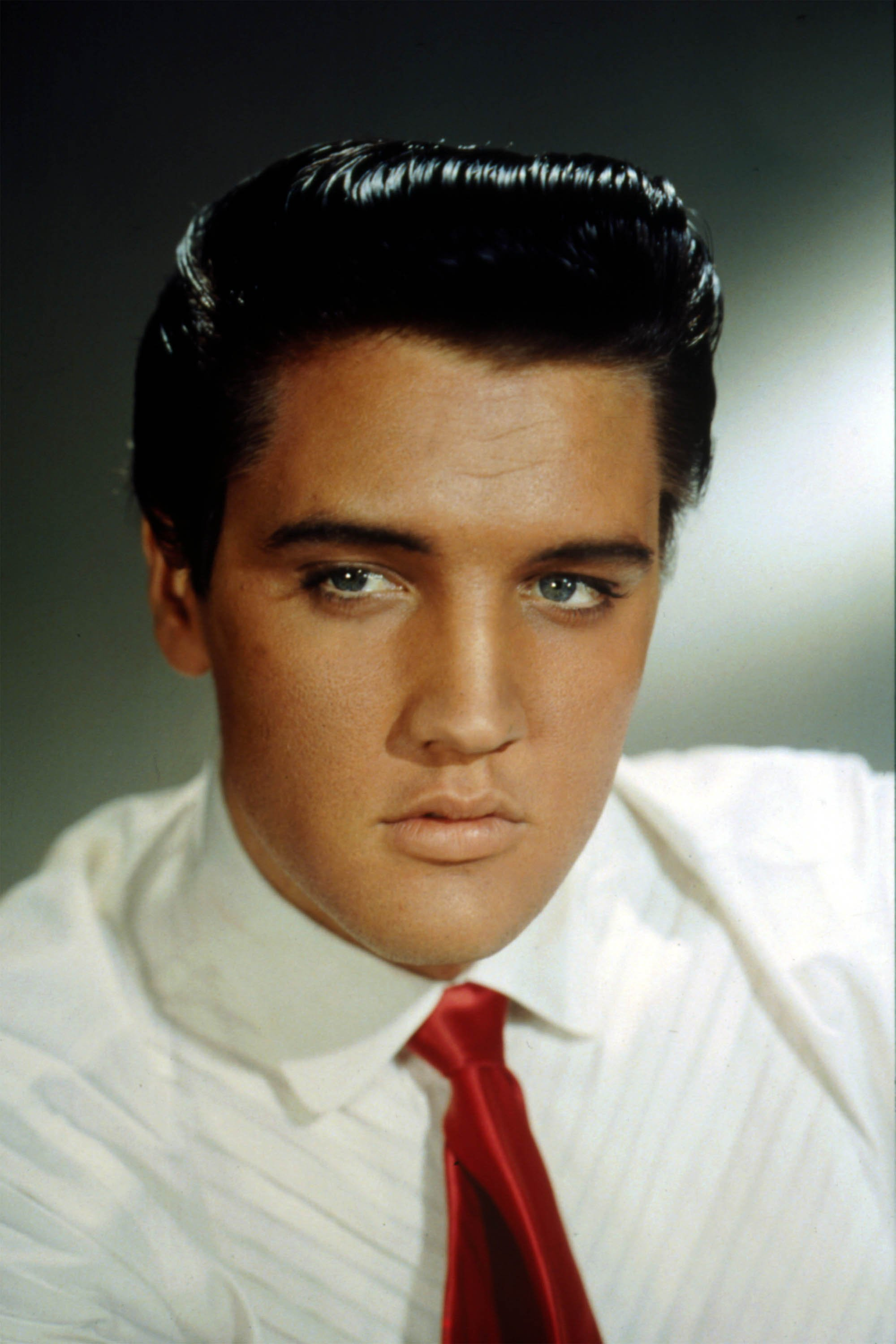 Image Credits: Getty Images | Elvis Presley would later suffer many health complications, one caused from dying his eyelashes