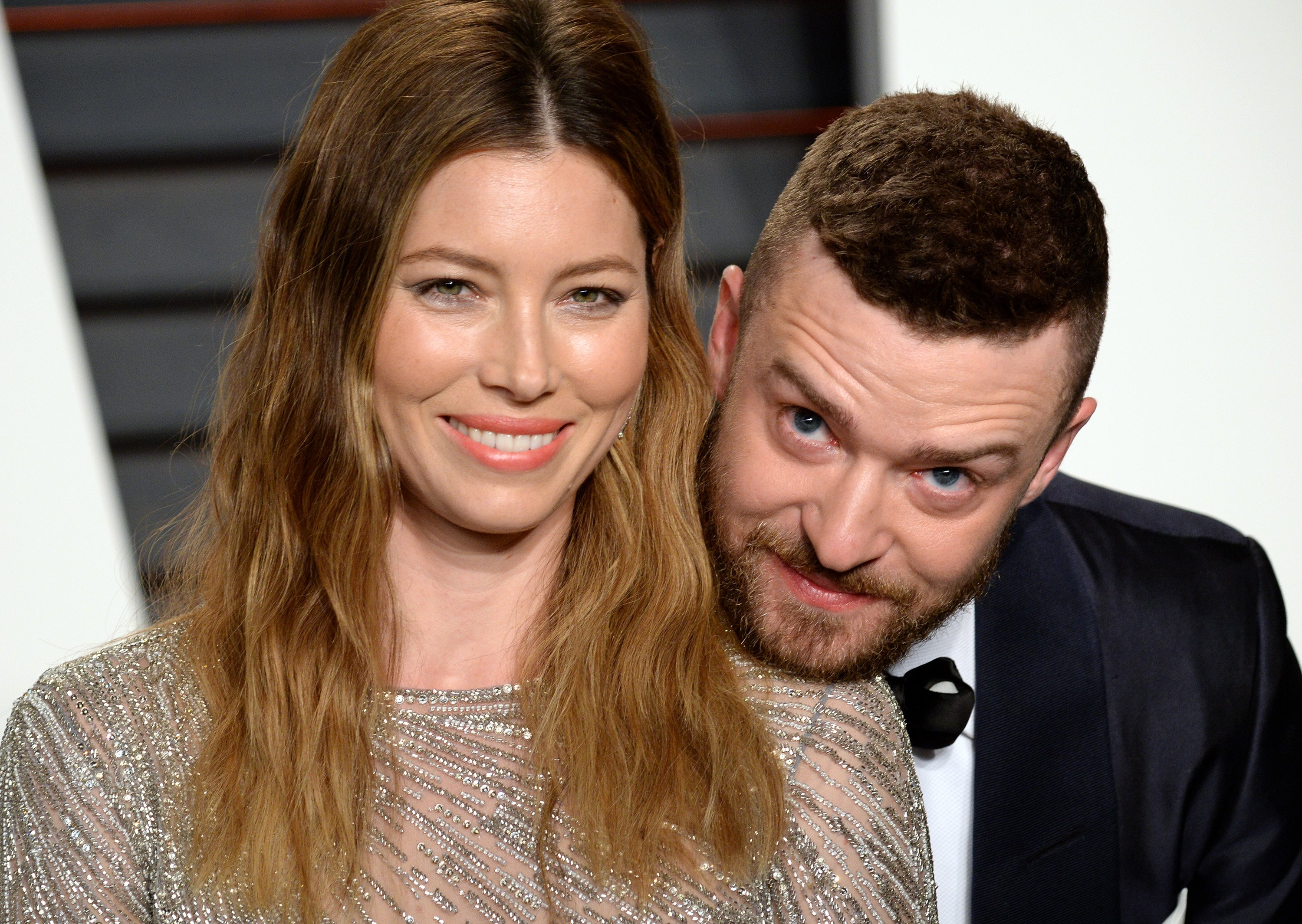 Justin Timberlake and Jessica Biel at the 2016 Vanity Fair Oscar Party / Getty Images