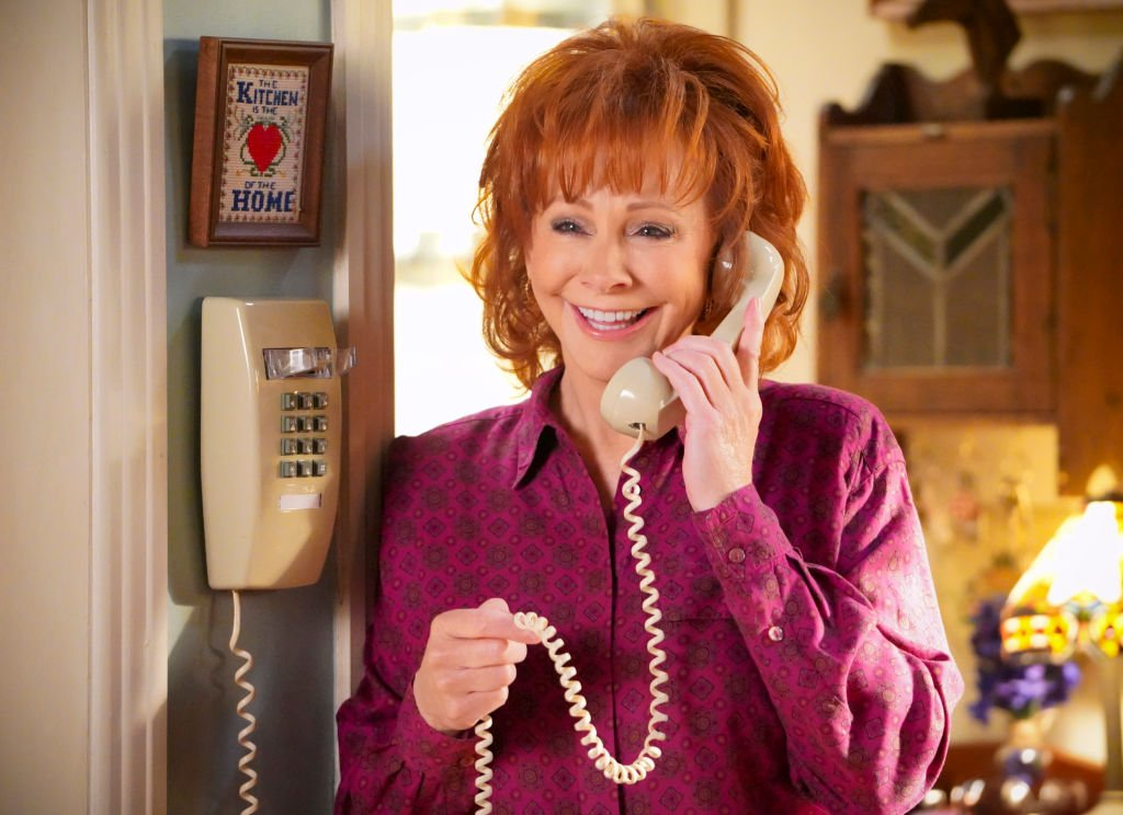 Image Credit: Getty Images / Award winning actress and singer, Reba McEntire on set.