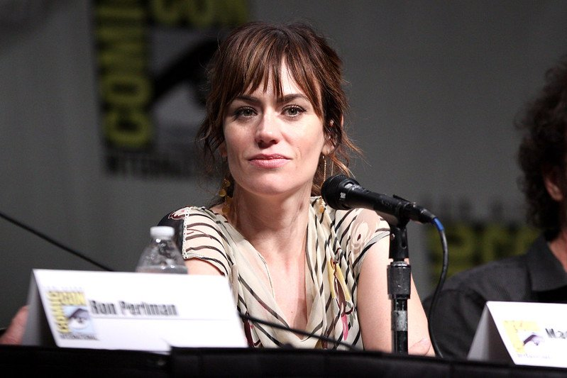 """Maggie Siff"" (CC BY-SA 2.0) / Gage Skidmore / flickr"