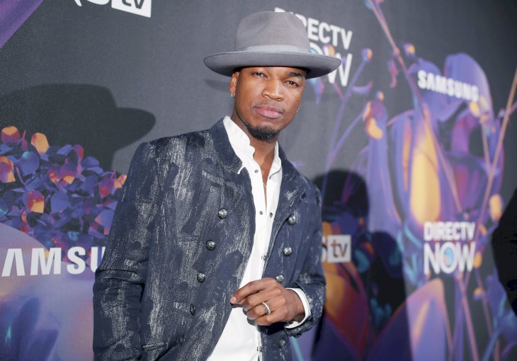 Image Credit: Getty Images / Ne-Yo on the red carpet.