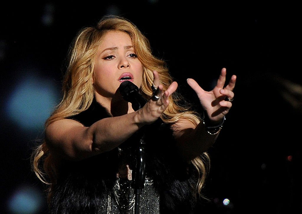 Image Credit: Getty Images / Shakira performing at a show.