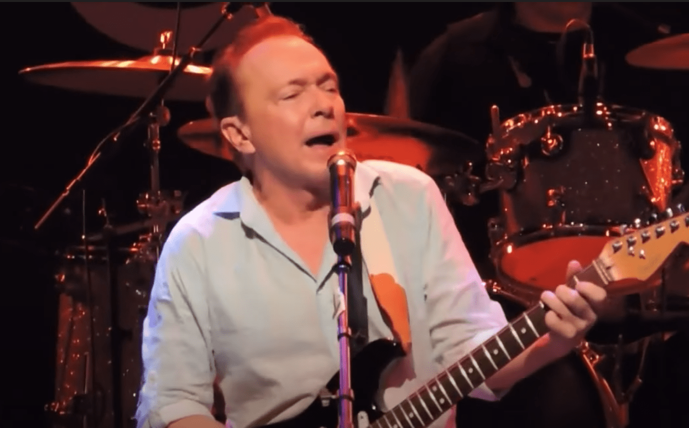 Image Source: Youtube/Inside Edition/David Cassidy performing