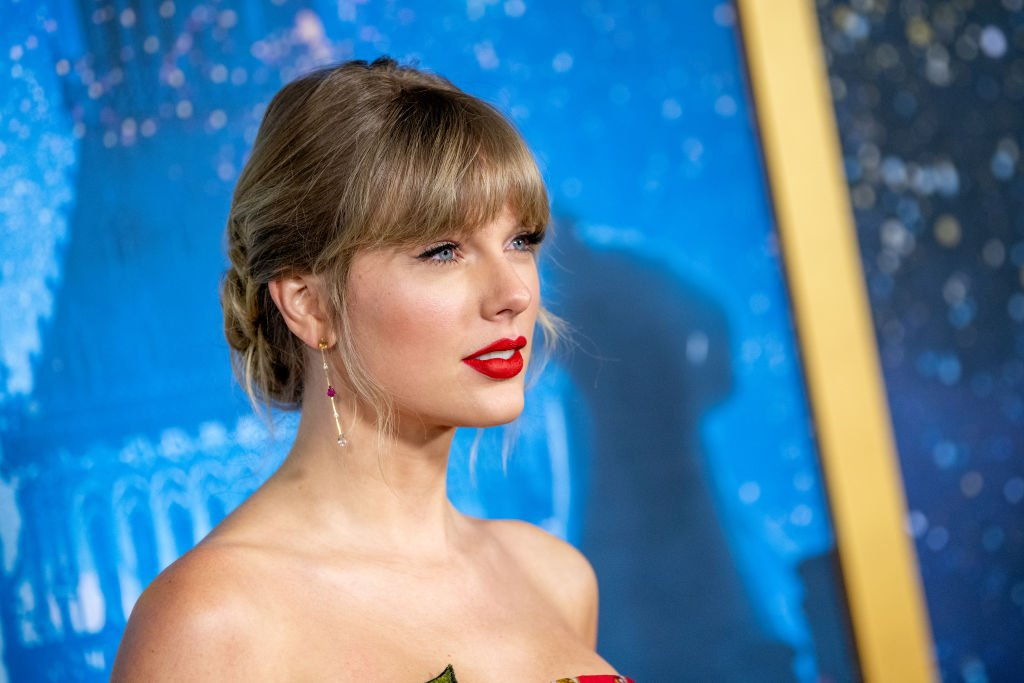 """Image Credit: Getty Images / Taylor Swift attends the """"Cats"""" World Premiere at Alice Tully Hall, Lincoln Center on December 16, 2019."""