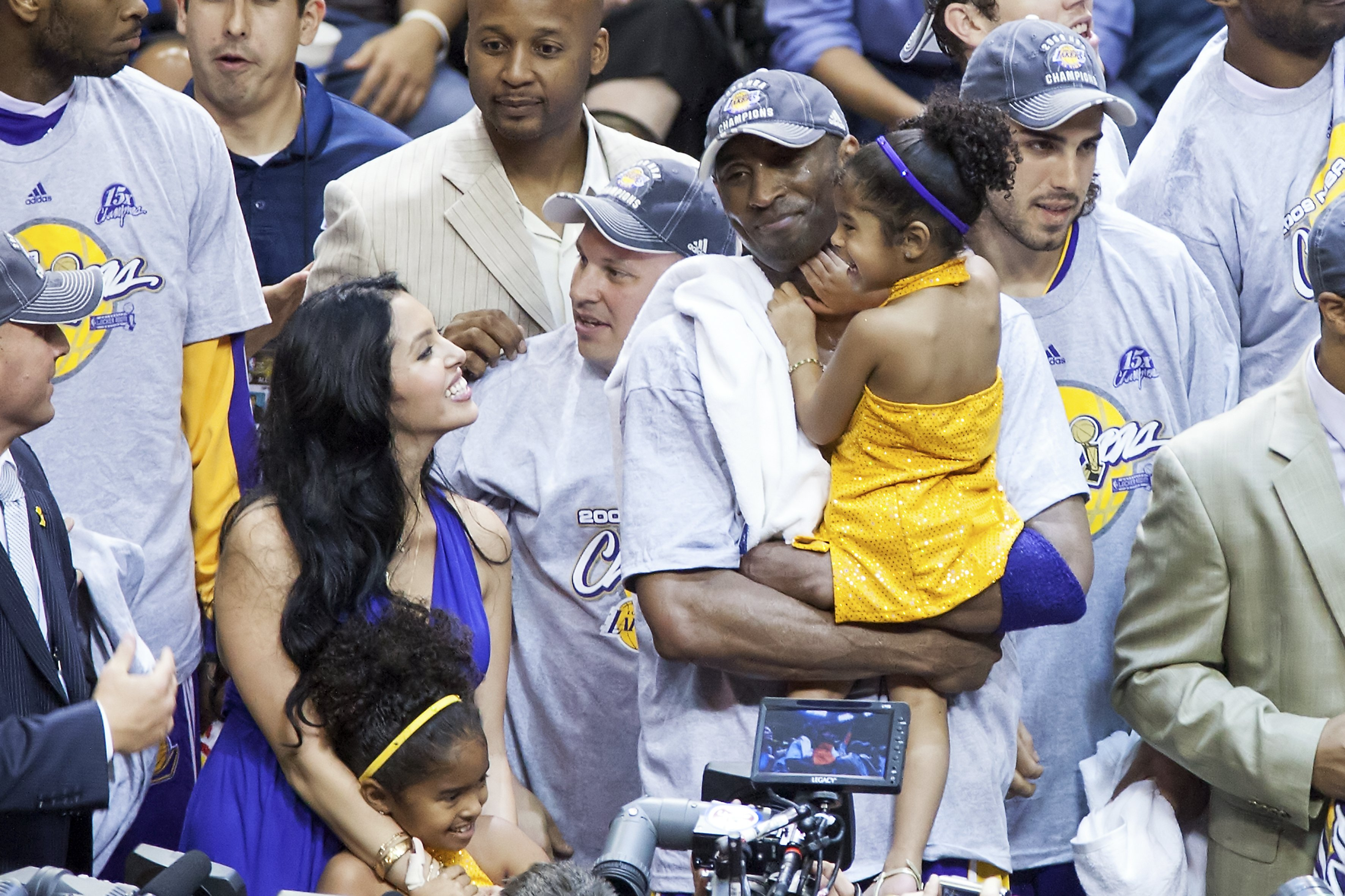 Image Source: Getty Images/The Bryant family at a Laker game