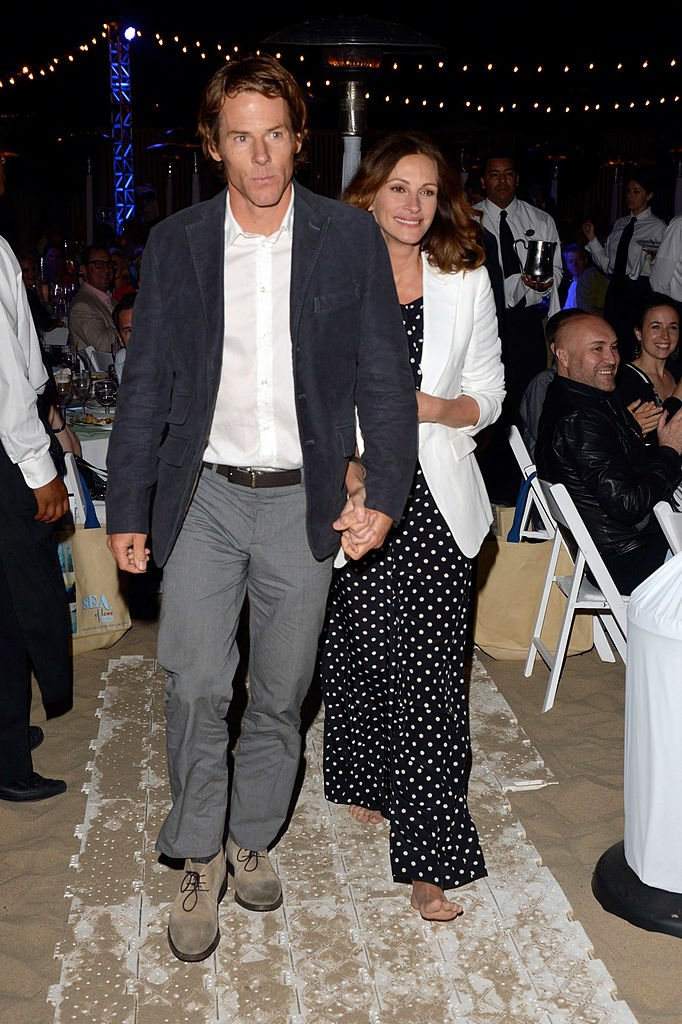 "Image Source: Getty Images/Lester Cohen/Daniel Moder and actress Julia Roberts attend Heal The Bay's ""Bring Back The Beach"" Annual Awards Presentation & Dinner held at The Jonathan Club on May 17, 2012 in Santa Monica, California"