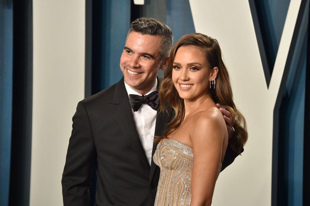 Image Credit: Getty Images / Cash Warren and Jessica Alba attend the 2020 Vanity Fair Oscar Party at Wallis Annenberg Center for the Performing Arts on February 09, 2020.