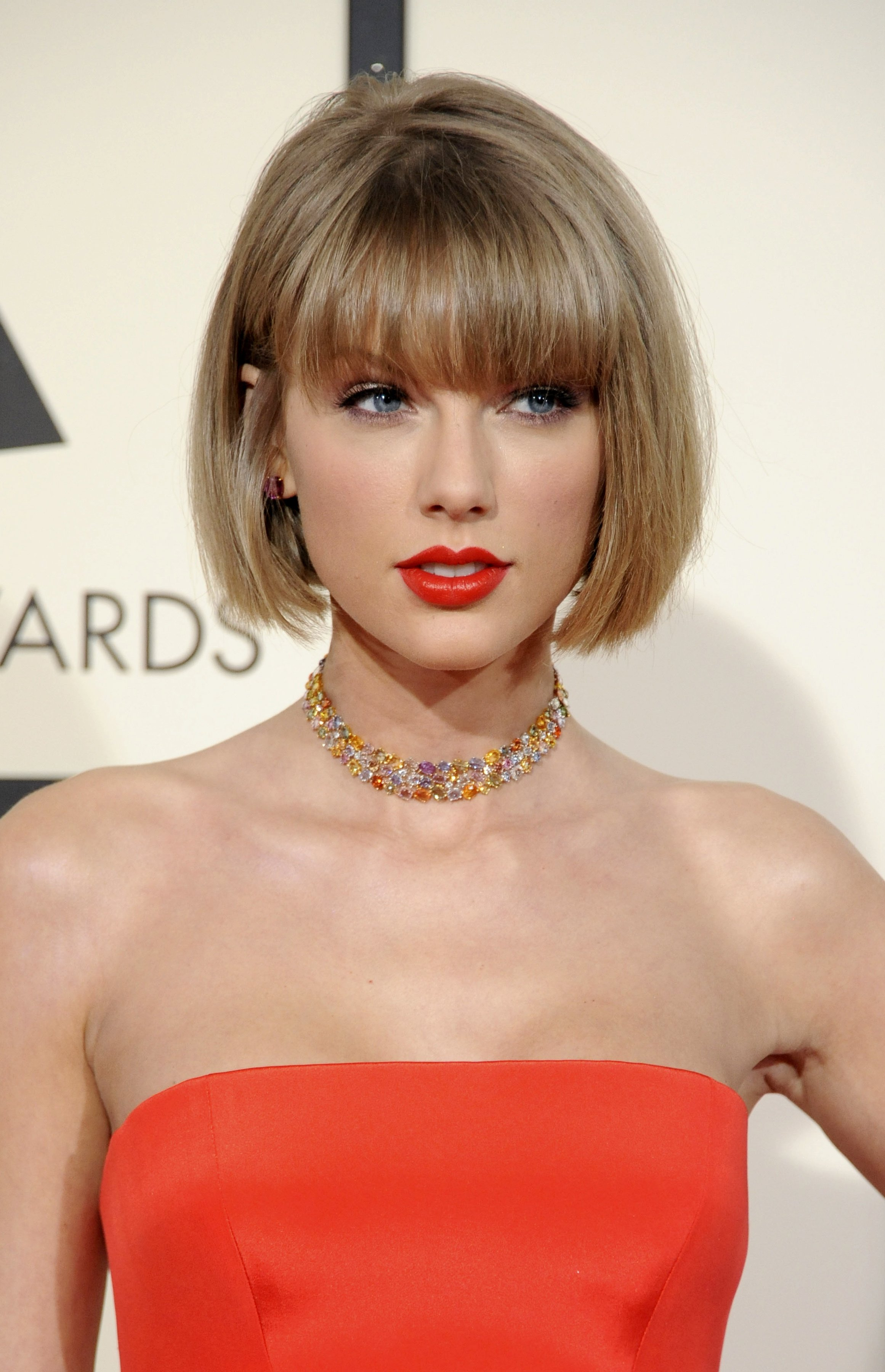 Image Source: Shutterstock/Taylor at a red carpet event