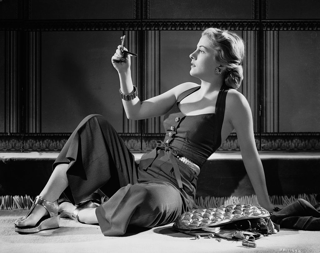 Image Source: Getty Images/John Kobal Foundation/Promotional photo of Joan Fontaine