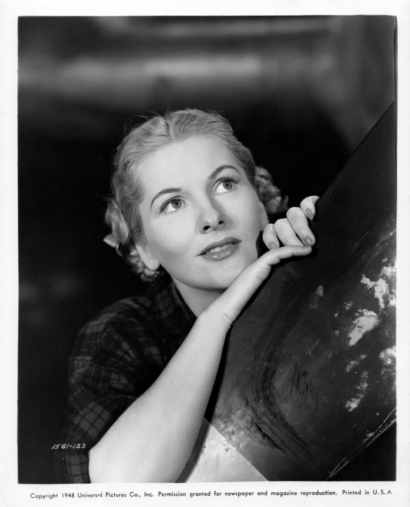 Image Source: Getty Images/Universal Pictures/De Carvalho Collection/Fontaine as 'Dee Dee Dillwood' in a publicity shot from the movie 'You Gotta Stay Happy'