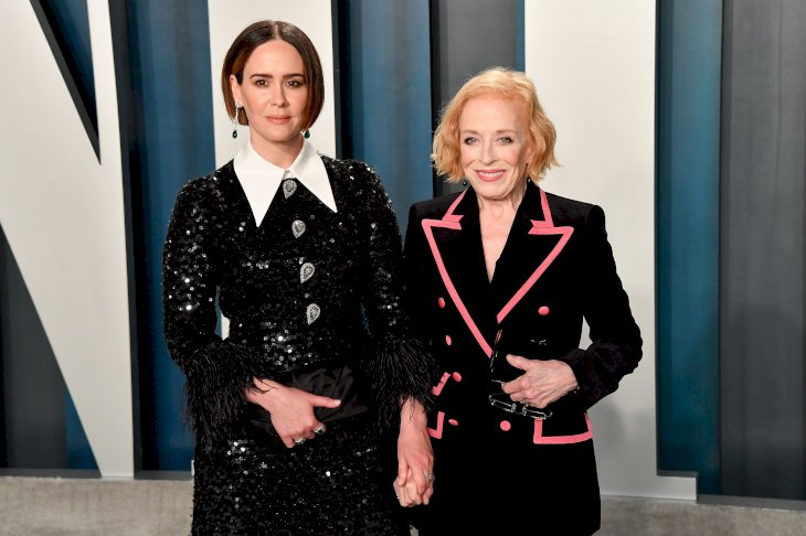 Sarah Paulson and Holland Taylor arrive at the 2020 Vanity Fair Oscar Party / Photo:Getty Images