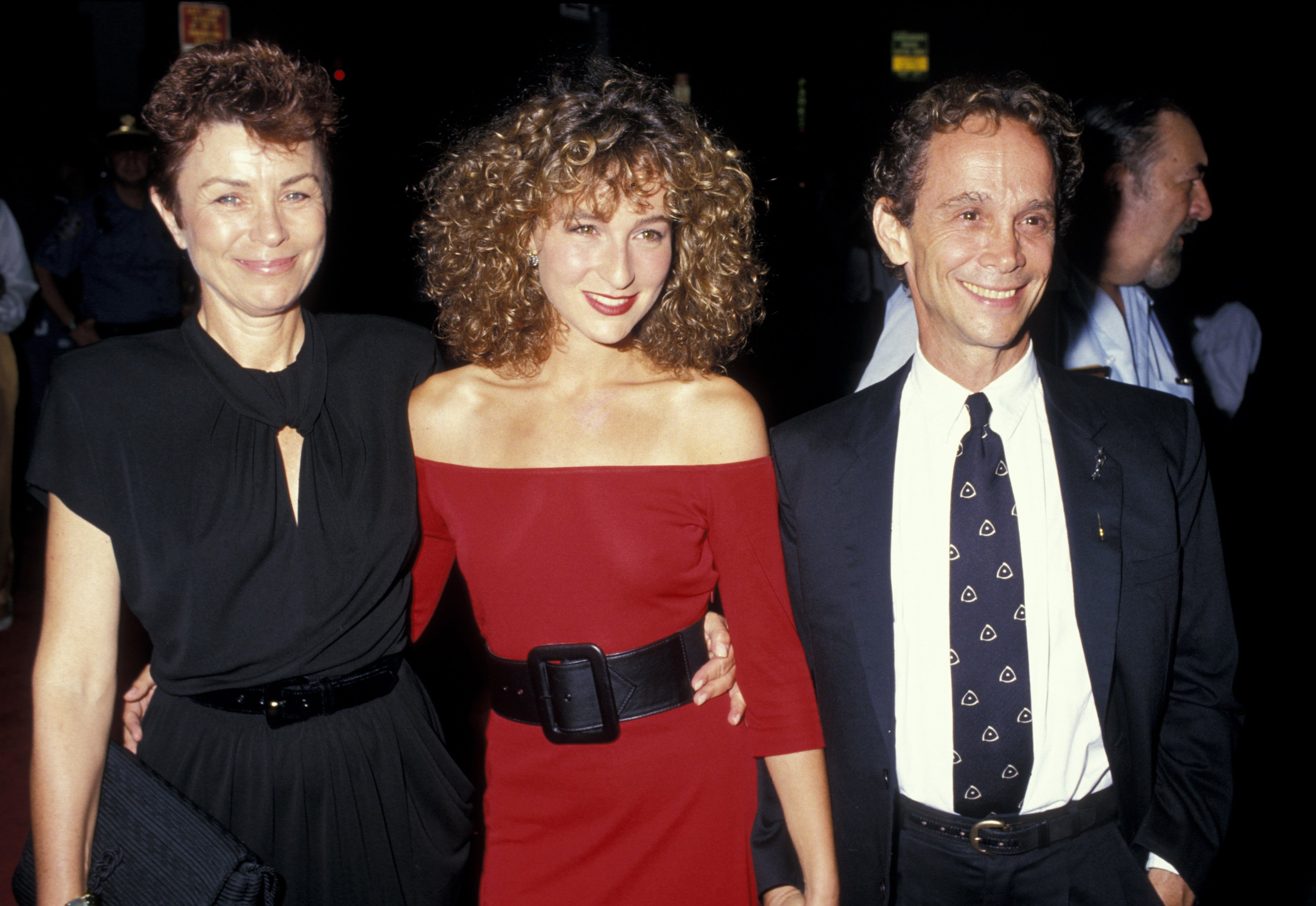 "Jo Wilder, Jennifer Grey, and Joel Grey during Premiere of ""Dirty Dancing"" / Photo:Getty Images"