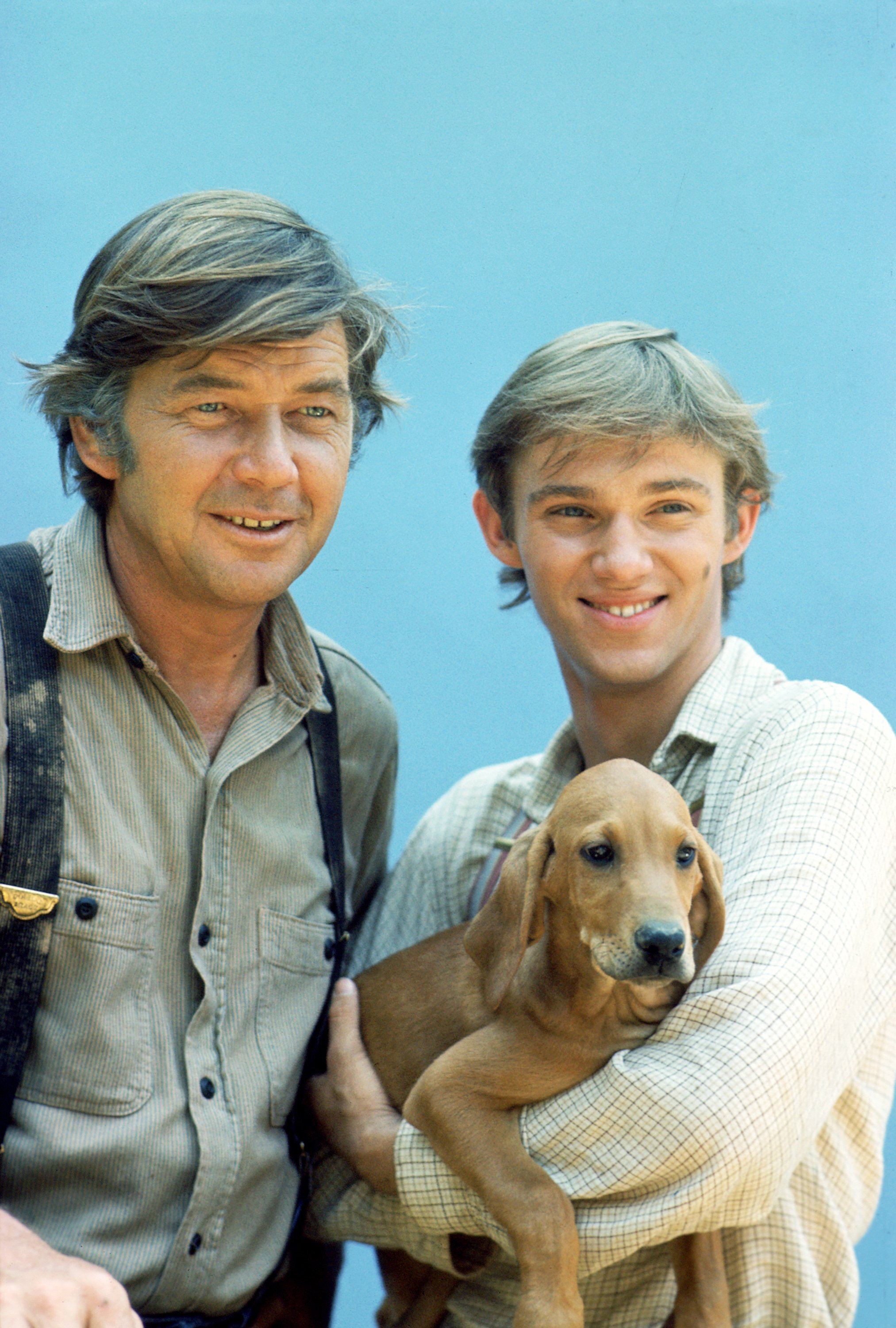 Image Credits: Getty Images / CBS | From left to right, Ralph Waite (as John Walton) and Richard Thomas (as John Boy Walton), in THE WALTONS. 1974.