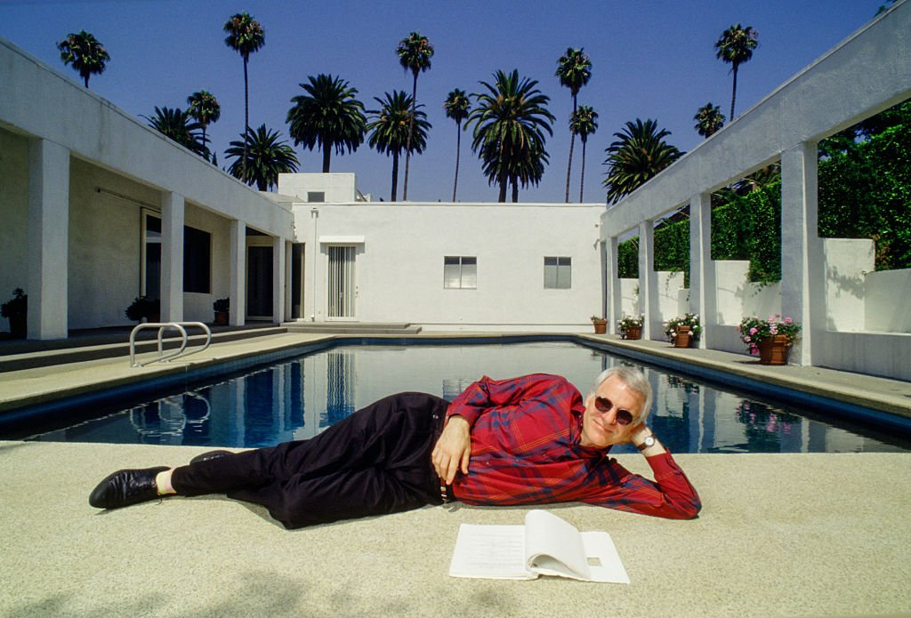 Image Credits: Getty Images / David Hume Kennerly   Actor and comedian Steve Martin poses at his private residence circa 1987 photo in Beverly Hills, California.