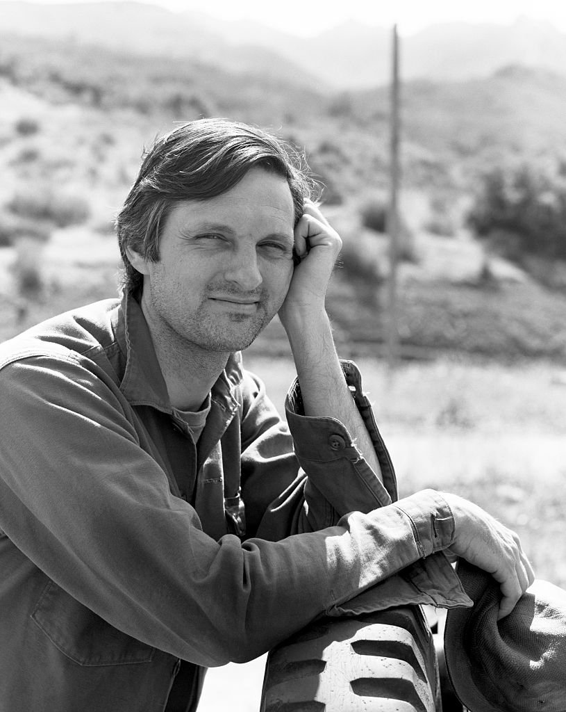 Image Credits: Getty Images | Alan Alda, the lead actor, on set