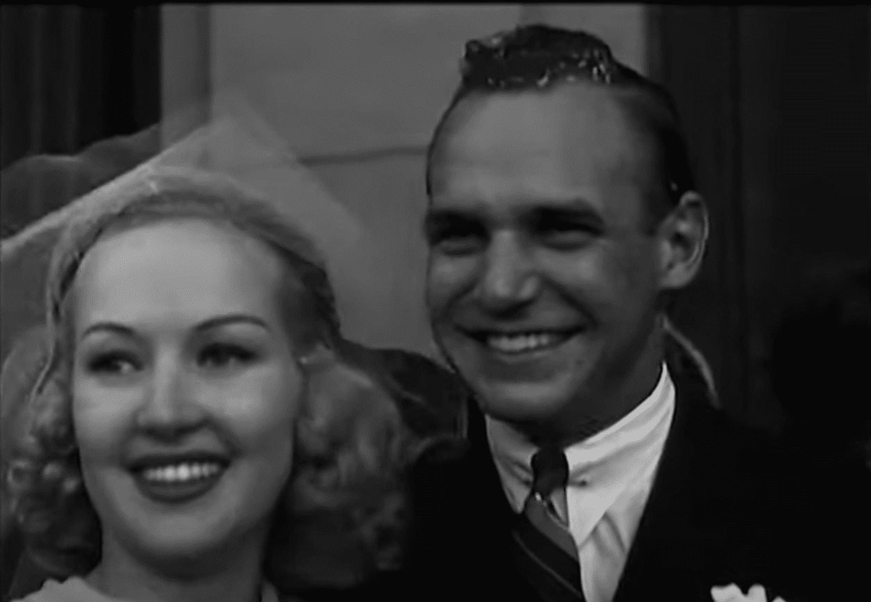 Image Source: Youtube/historycomestolife| Betty and Jackie gets married