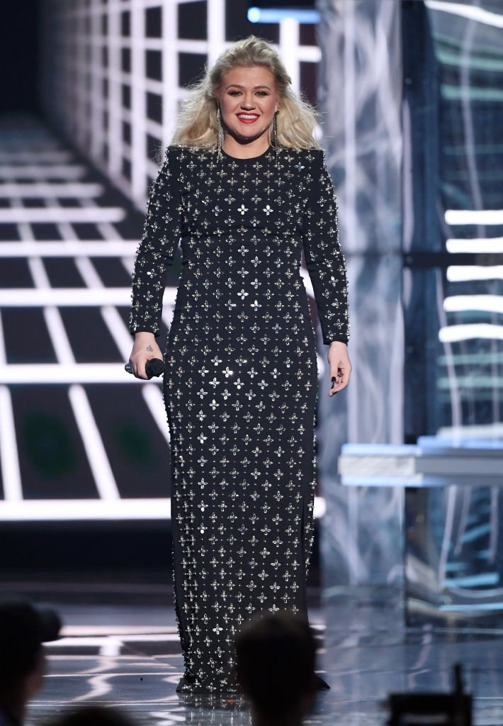 Image Source:Getty Images/Ethan Miller/Kelly Clarkson hosts the 2019 Billboard Music Awards at MGM Grand Garden Arena on May 1, 2019 in Las Vegas, Nevada