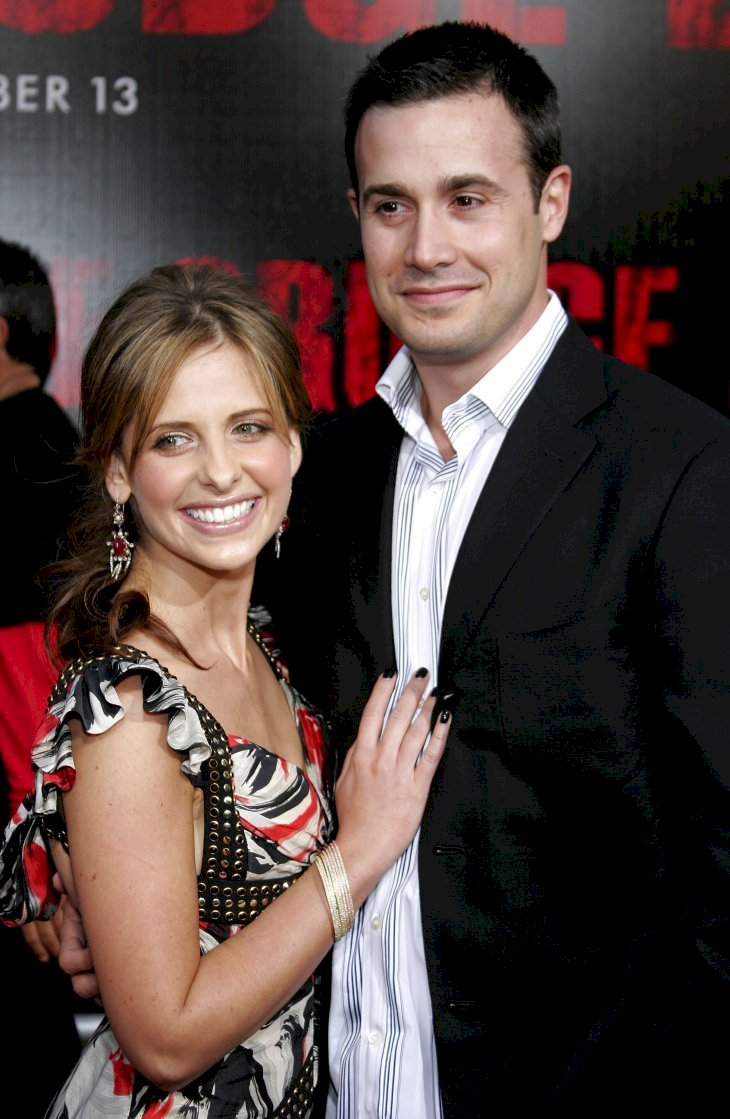 Image Credit: Getty Images / Sarah Michelle Gellar with her husband, Freddie Prinze Jr.