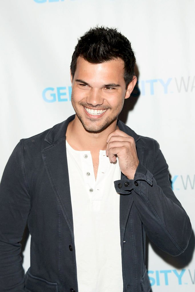 Image Credits: Getty Images / Matt Winkelmeyer | Actor Taylor Lautner attends the Generosity Water Launch at Montage Beverly Hills on March 22, 2016 in Beverly Hills, California.