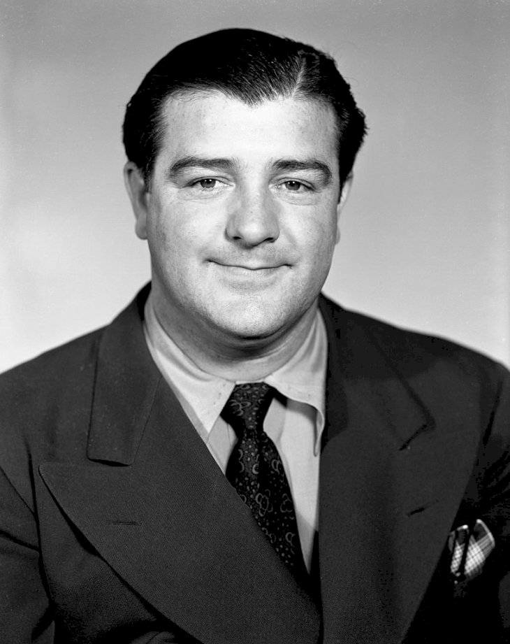 Image Credit: Getty Images / Lou Costello at a photo shoot.